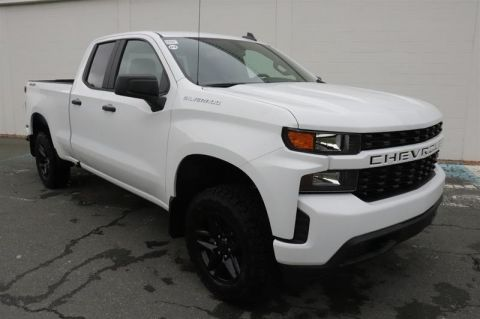2020 Chevrolet Silverado 1500 Double Cab 4x4 Custom / Standard Box