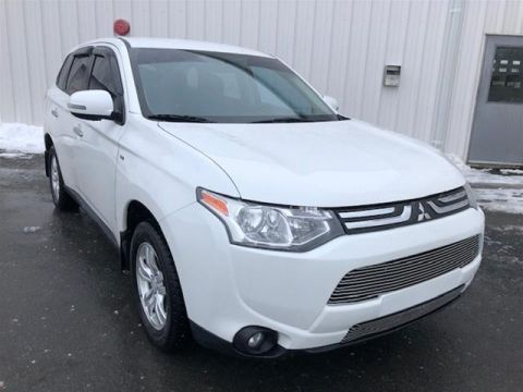 Pre-Owned 2014 Mitsubishi Outlander 4WD GT Four Wheel Drive SUV
